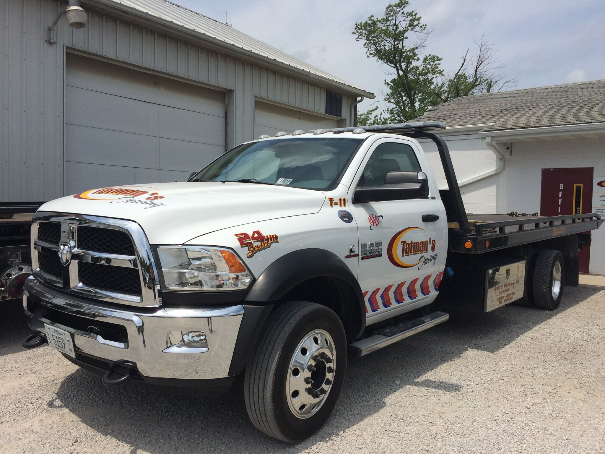 tatmans-towing-about-flatbed